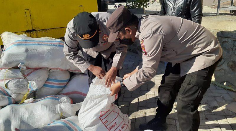Karantina Pertanian di Bantu Polisi Pelabuhan, Gagalkan Penyelundupan Ayam Beku